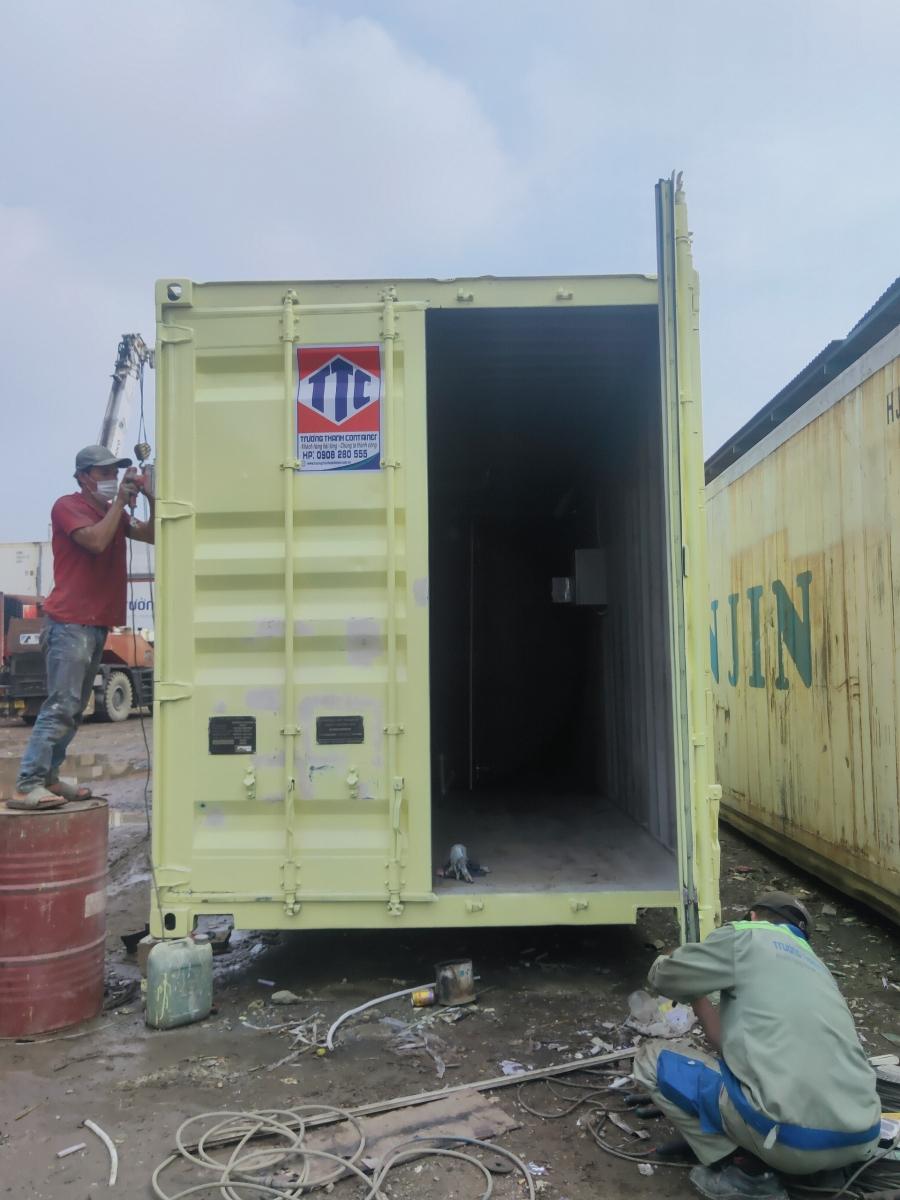 Hoàn thiện container kho chứa bồn dầu
